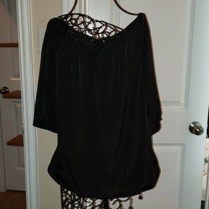 Black mid sleeve top